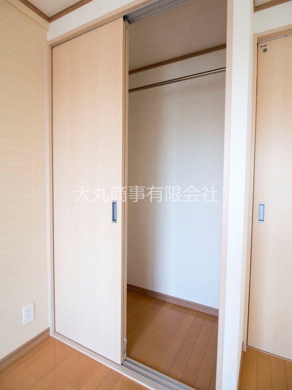 手前に張り出さない引戸で、お部屋のレイアウトの幅も広がります