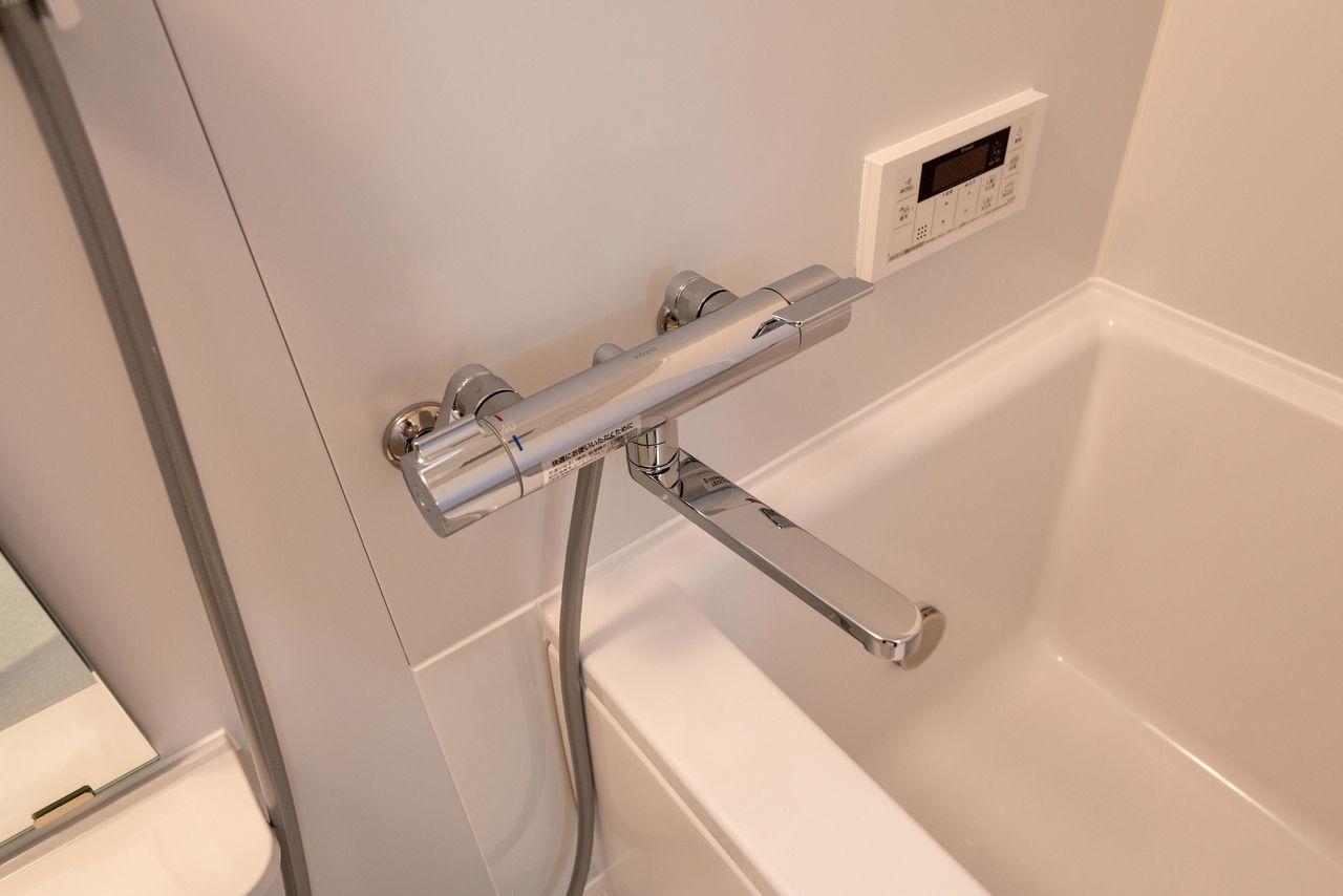 水温調節レバー付きの水栓