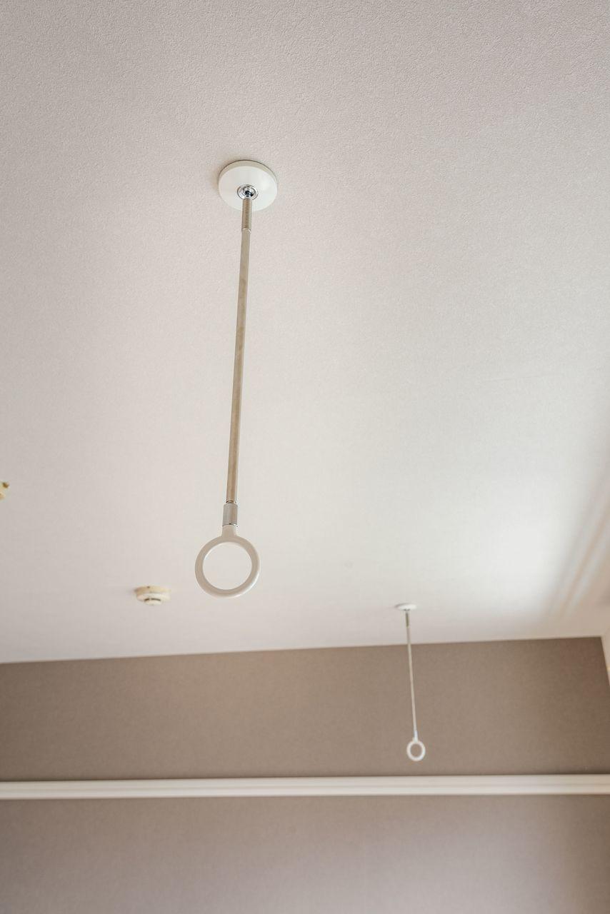 物干し竿を設置すると室内干しが可能に