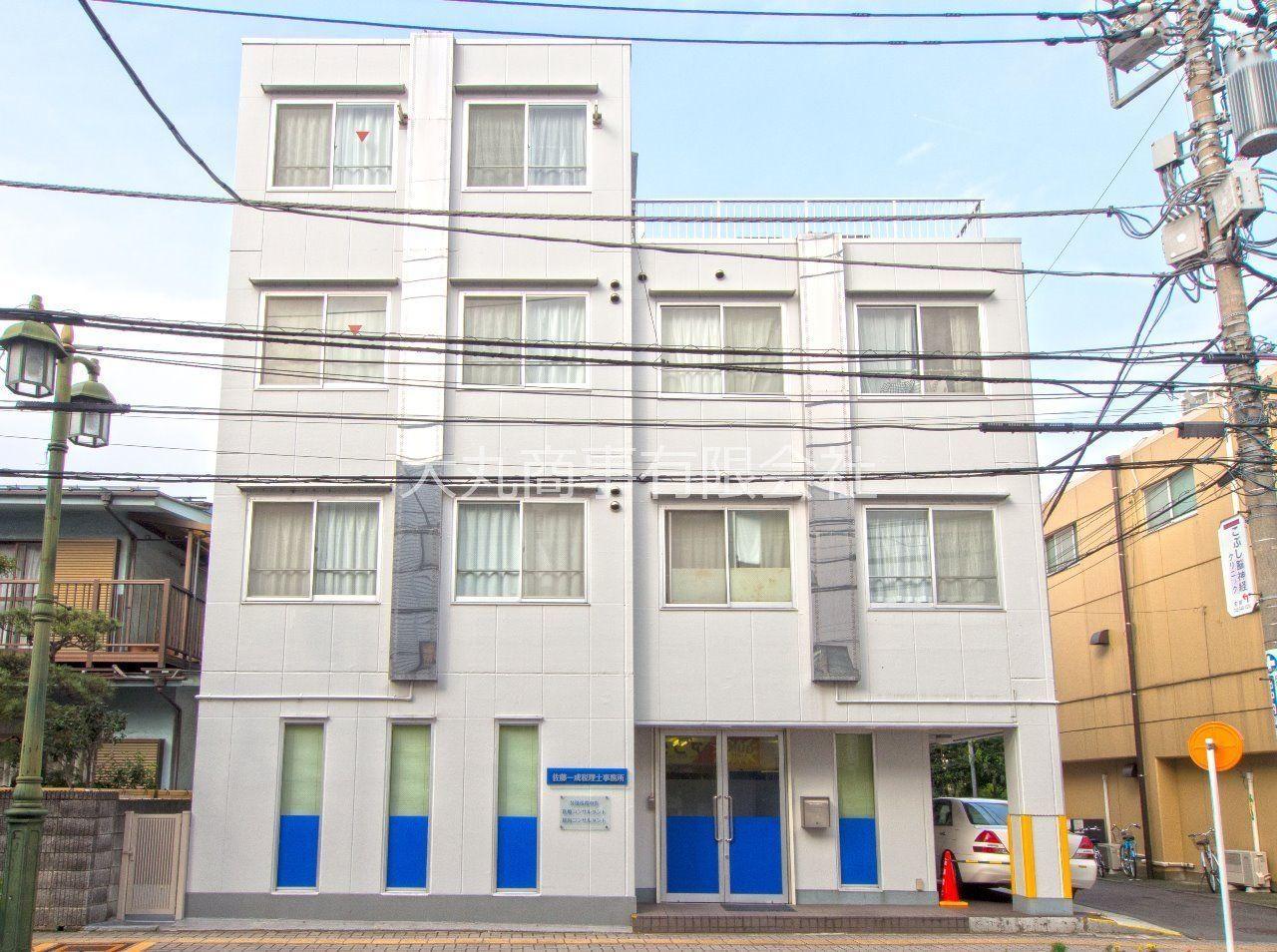 立川南通りに面した4階建のシャトレ柴崎館
