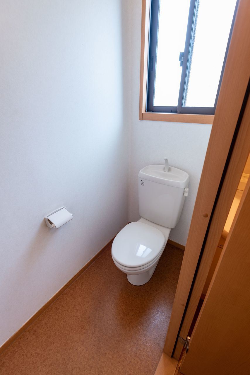 換気しやすい窓のあるトイレ