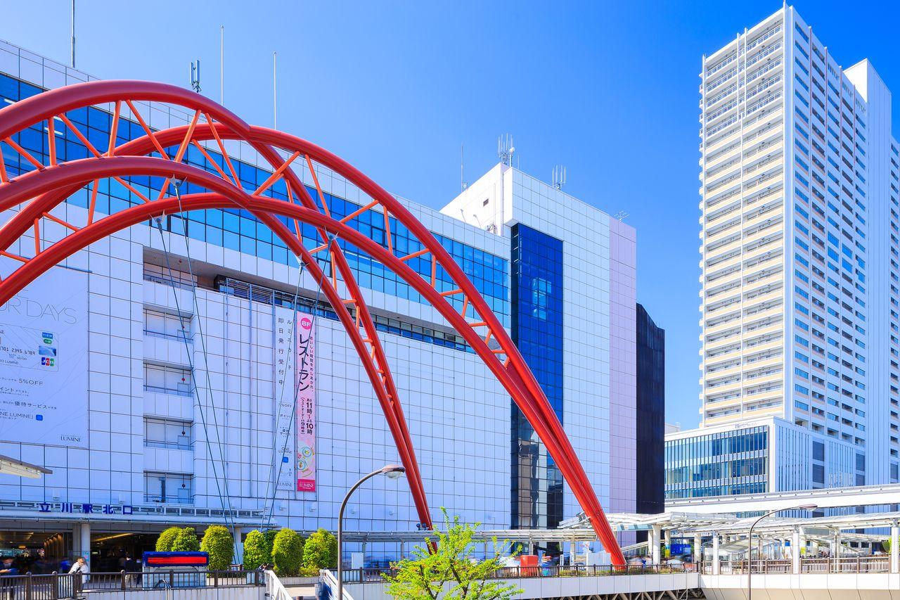 立川駅は商業施設が充実。