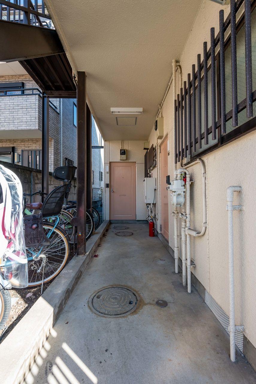 階段下は駐輪スペース