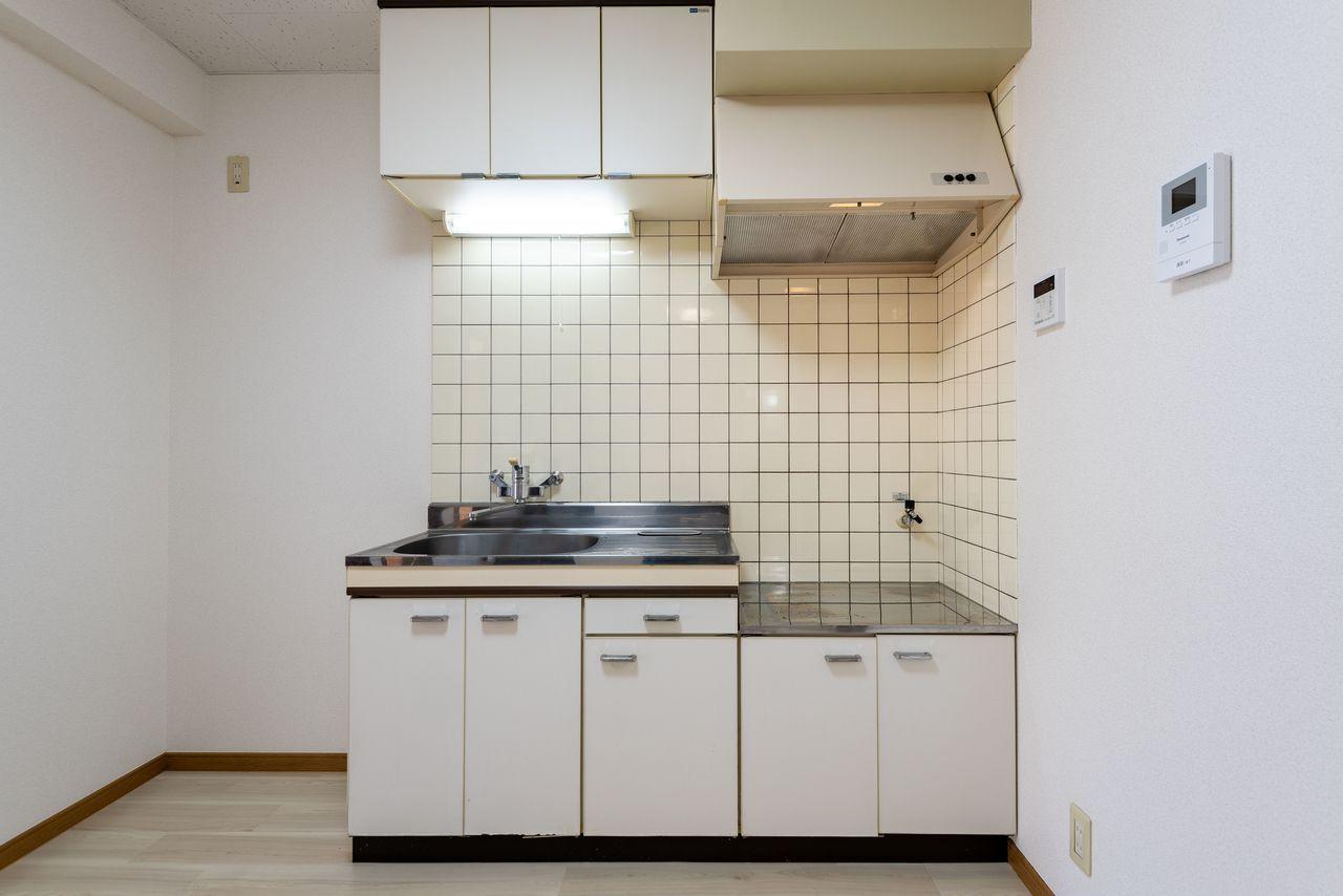 吊戸棚のあるキッチン