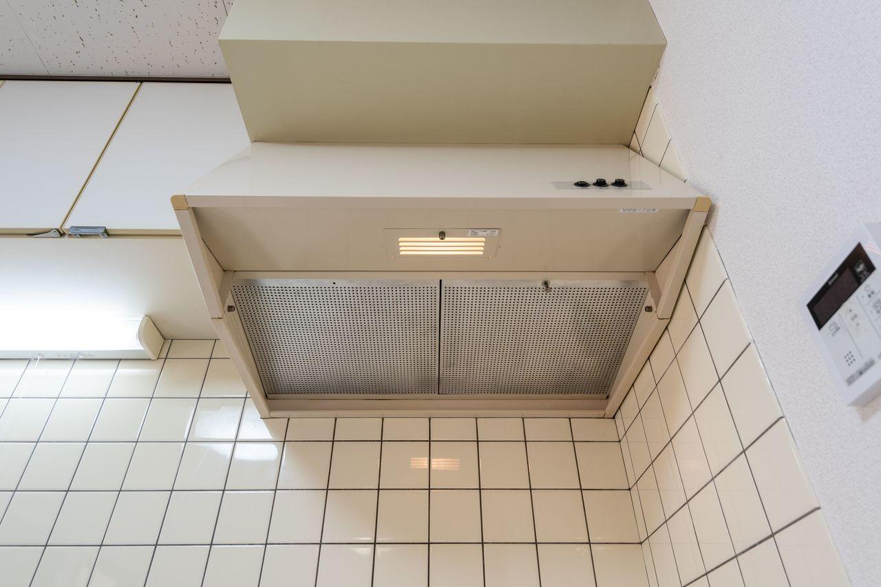 レンジフードタイプの換気扇