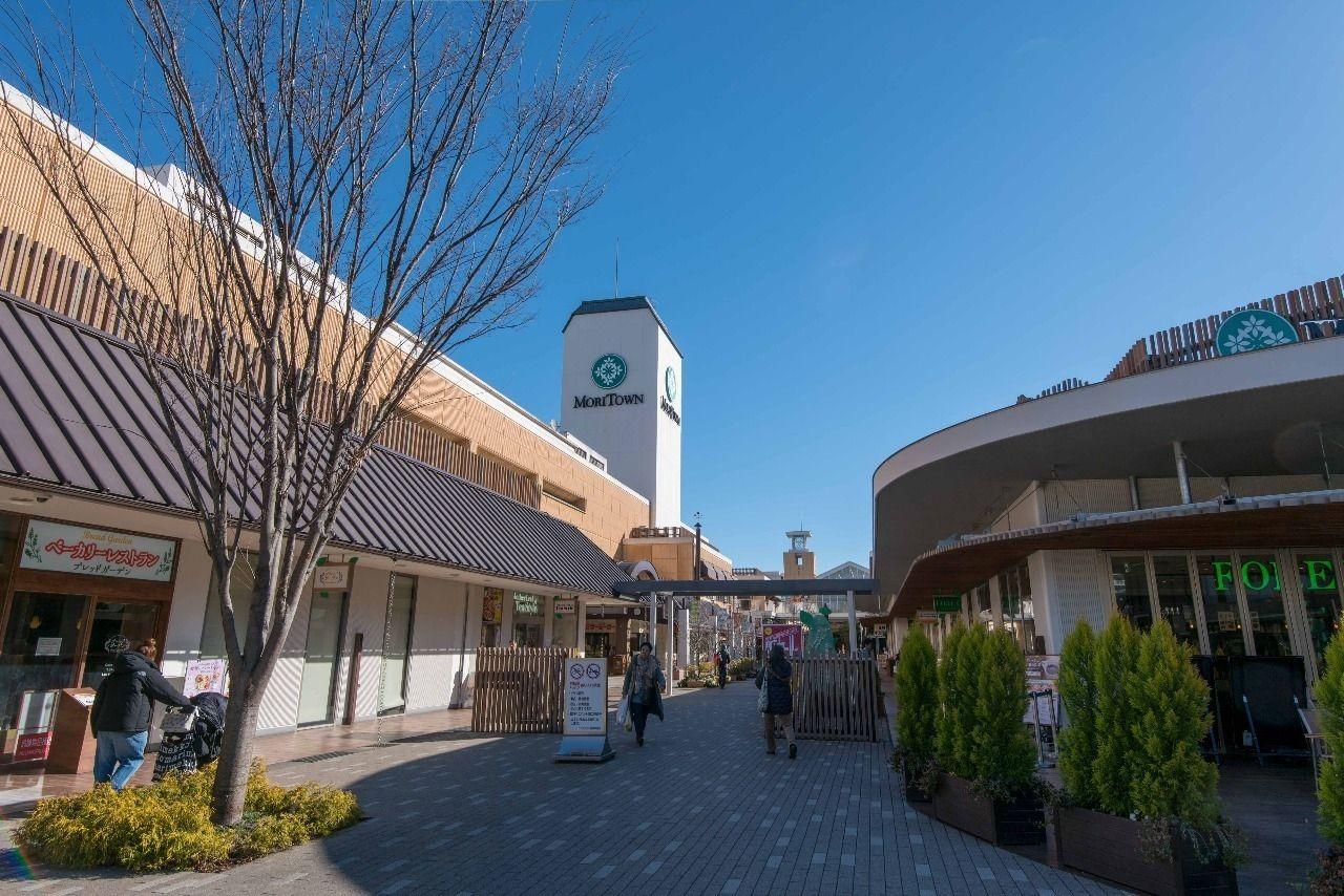中神駅隣の昭島駅前のショッピングモール