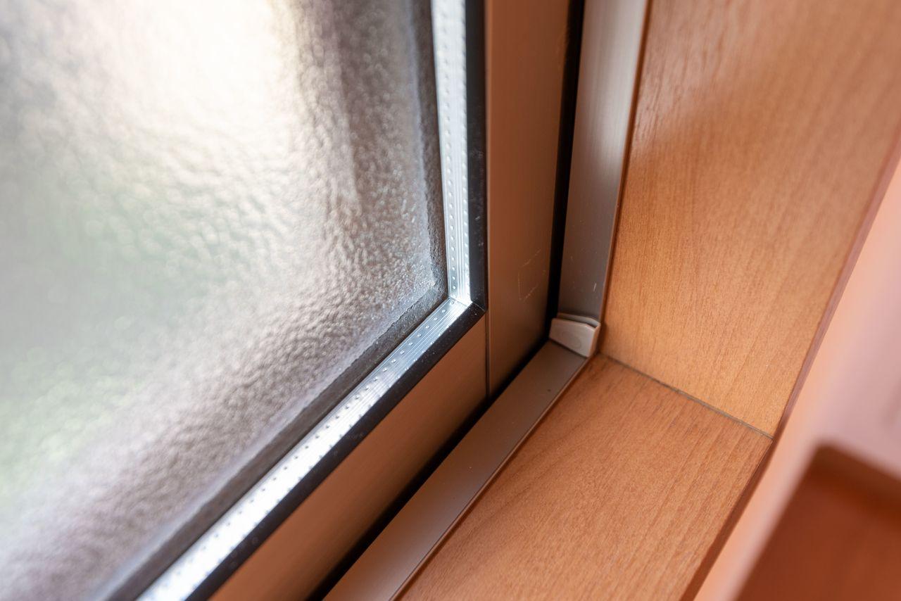 遮音性・遮熱性に優れた複層ガラスの窓