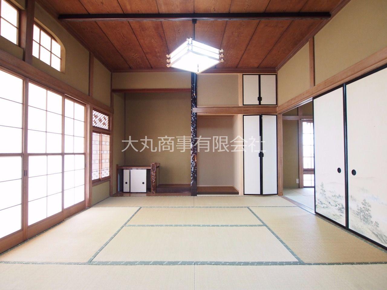 仏間と床の間のある和室