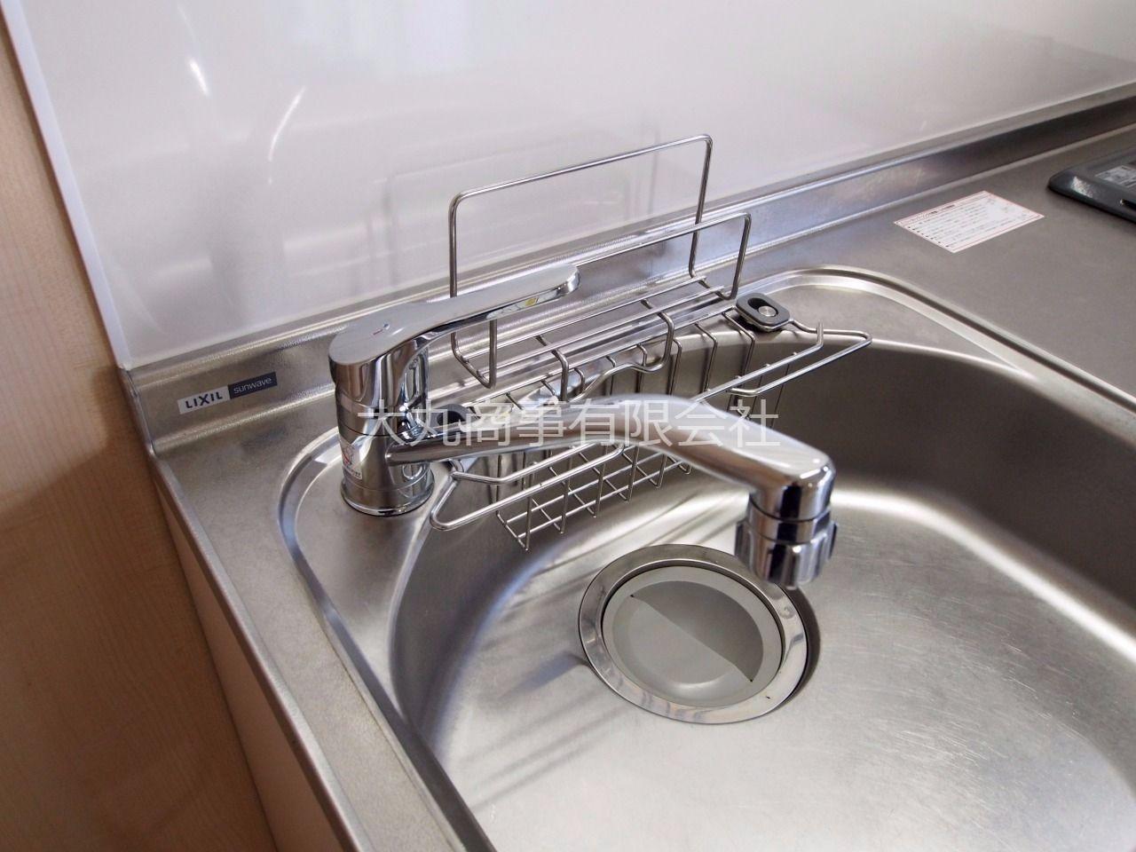 使い勝手の良いワンレバー式のキッチン水栓