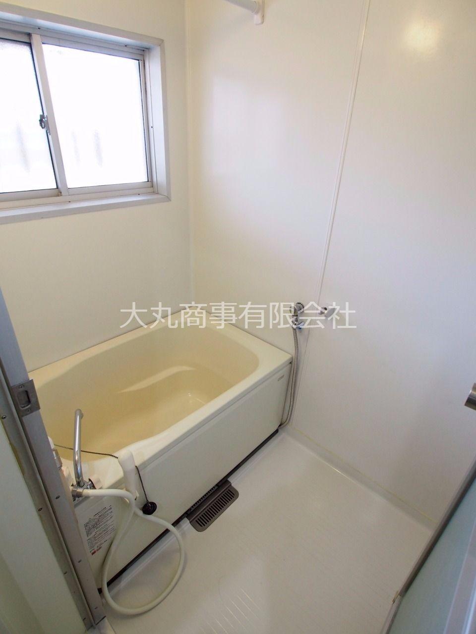 自動お湯張り・追焚き機能の付いた浴室