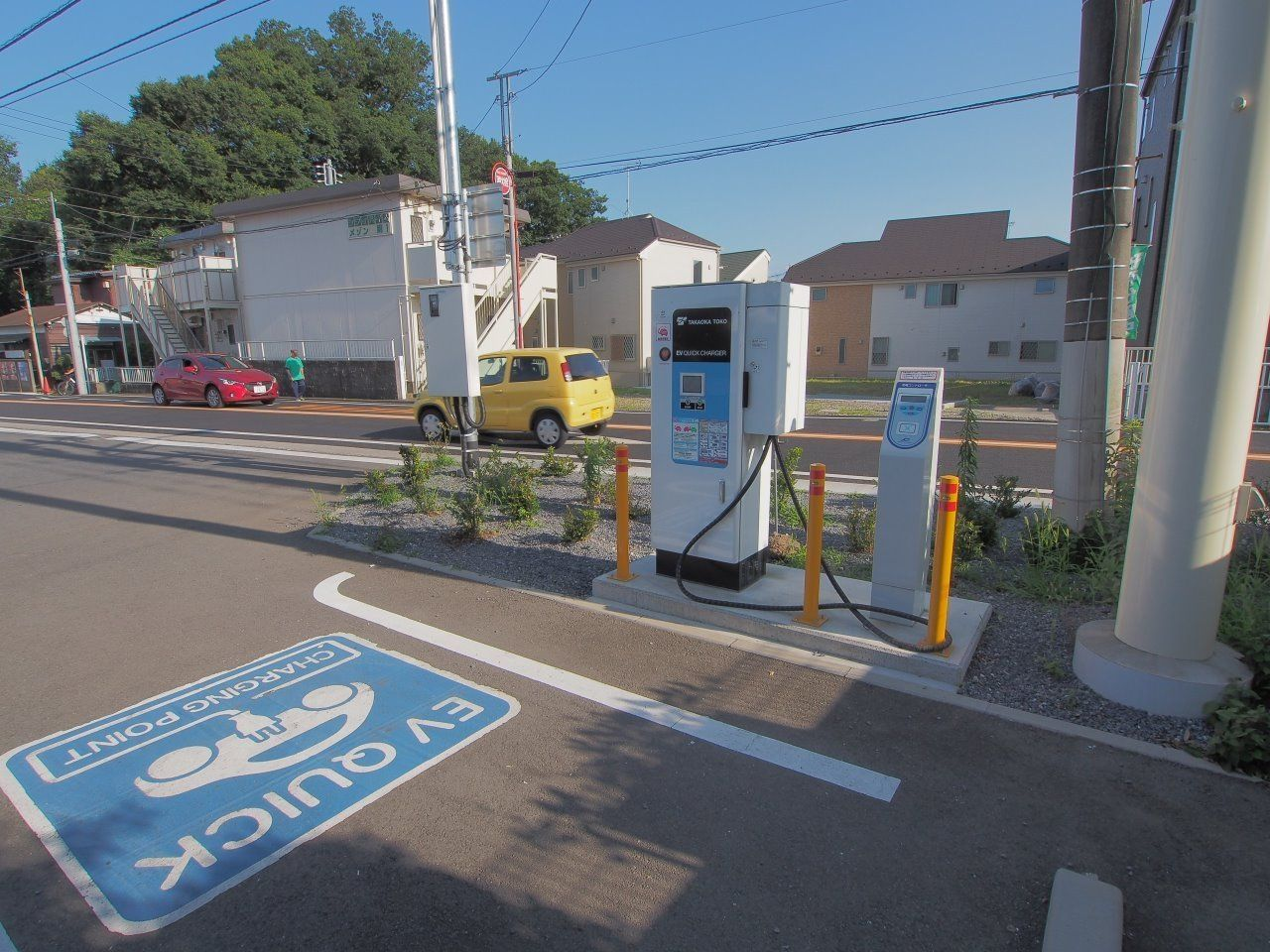 最寄りのセブンイレブンにはEV充電施設もあり、電気自動車でも安心
