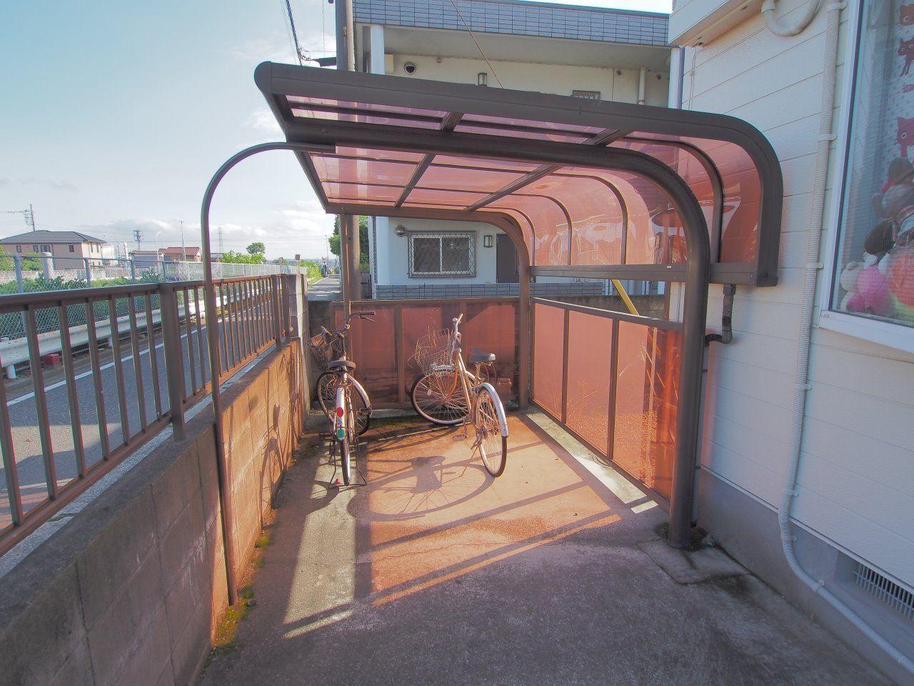 ミルキーウェイの自転車置場は屋根付
