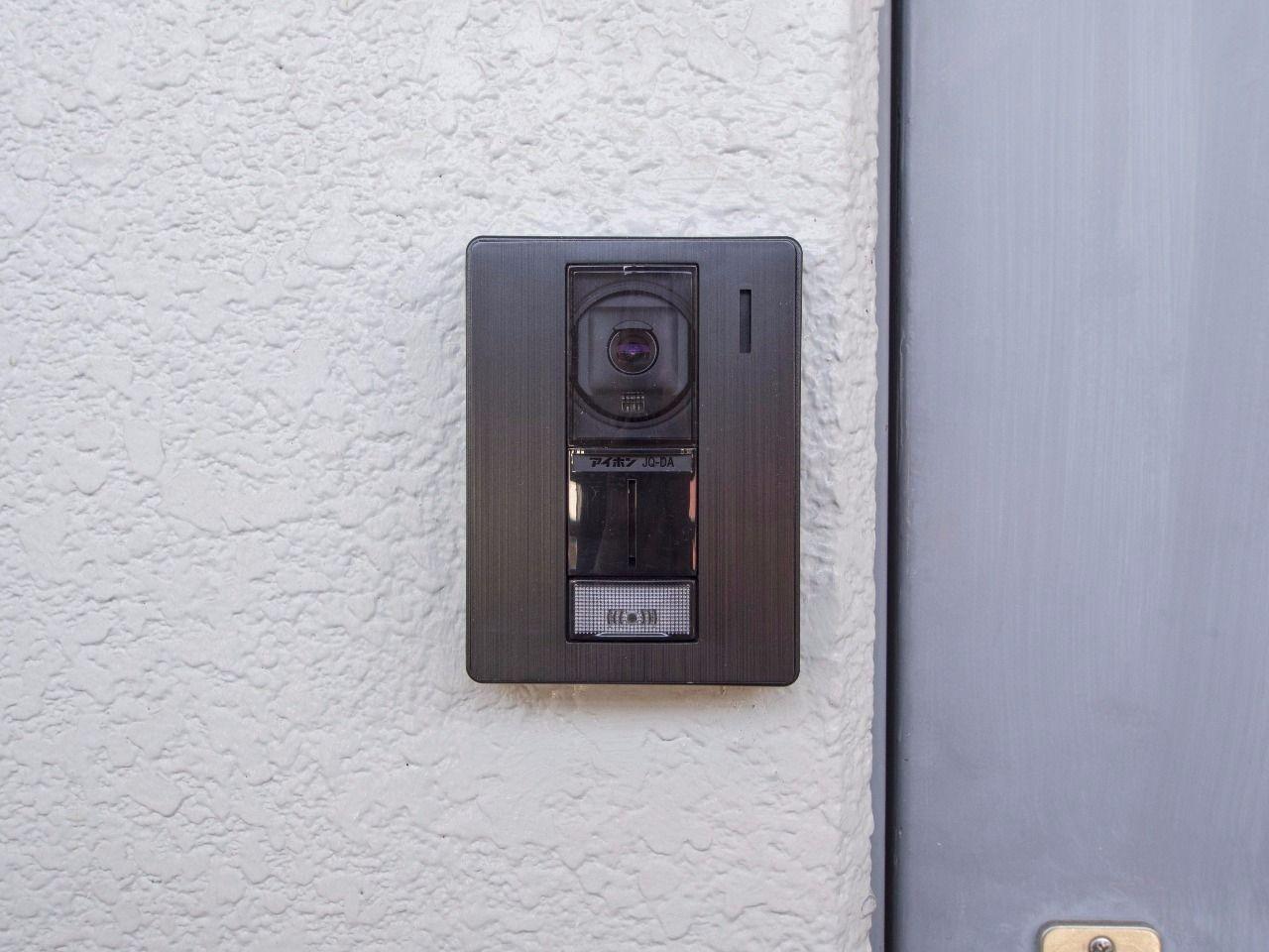 玄関の呼び鈴はカメラ付き