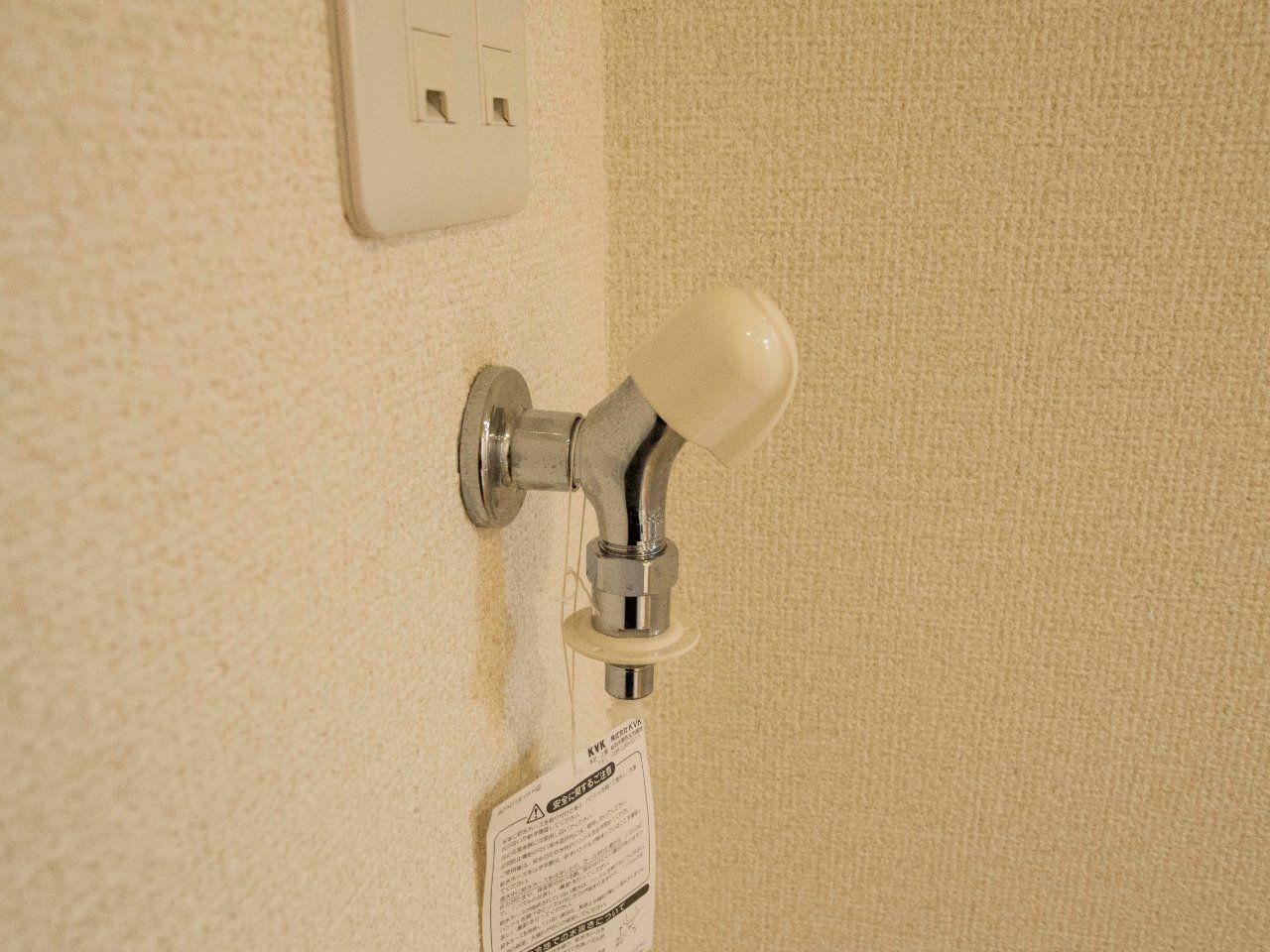 接続が簡単なワンタッチ式洗濯水栓