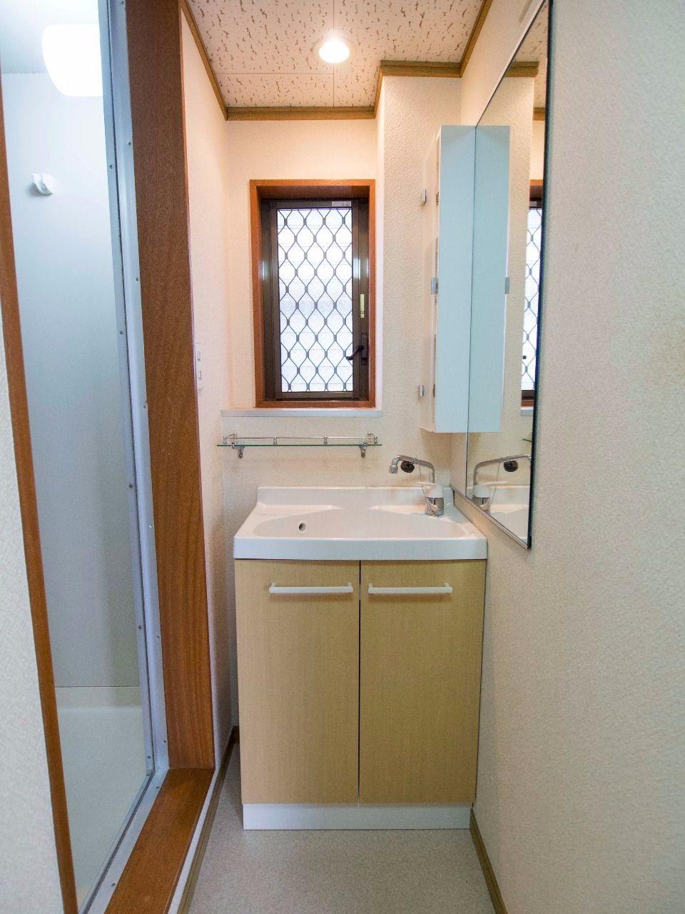洗面所とDKの間は引き戸があります