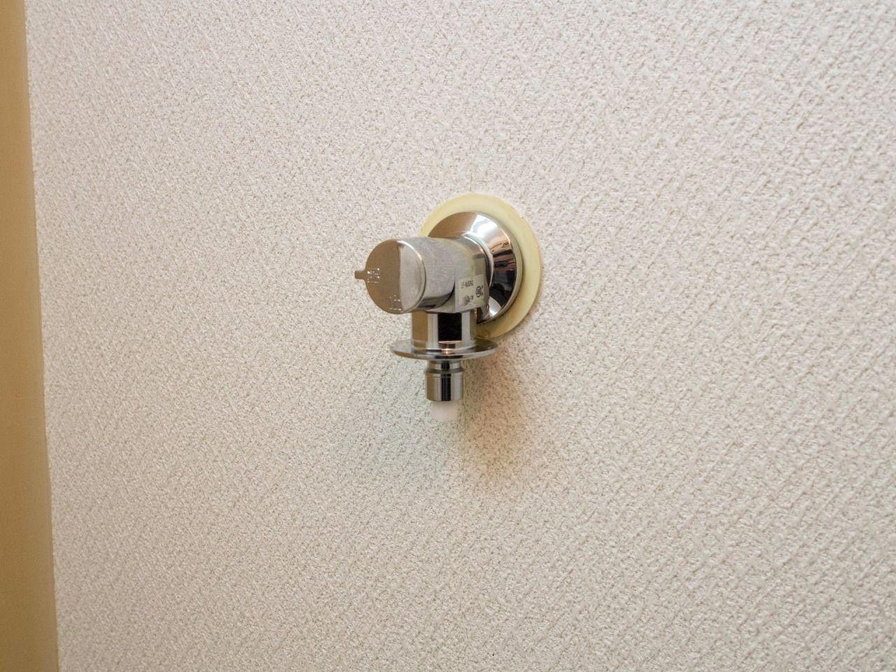洗濯ホースの取付けが簡単な緊急止水弁付水栓