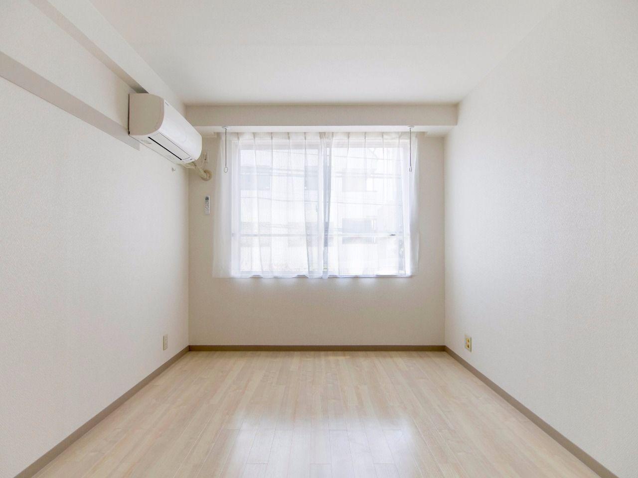 カーテンは入居期間中貸出(無料)できます(退去時に要クリーニング代)。