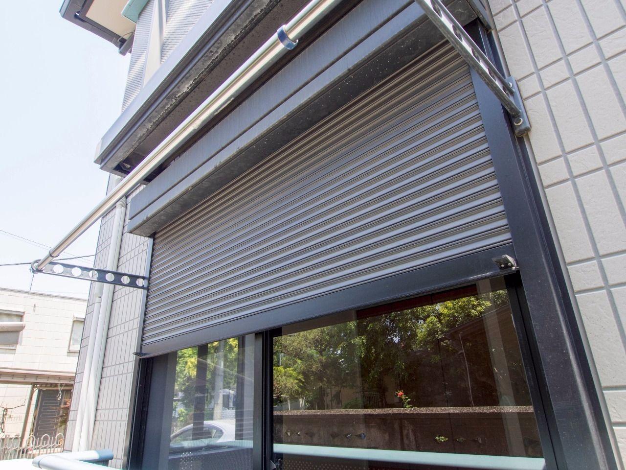 防犯にも有効なシャッター雨戸のある窓
