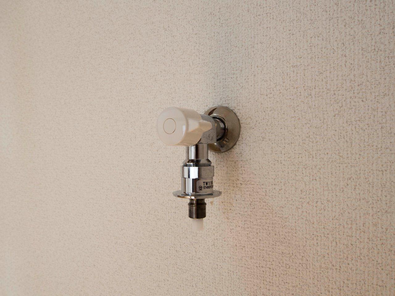 洗濯ホースのつなぎ込みがラクなワンタッチ式水栓