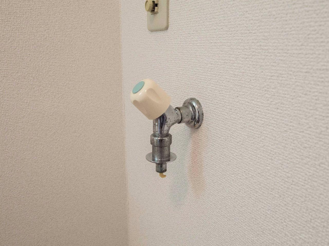 万が一ホースが外れても安心な緊急止水弁付水栓