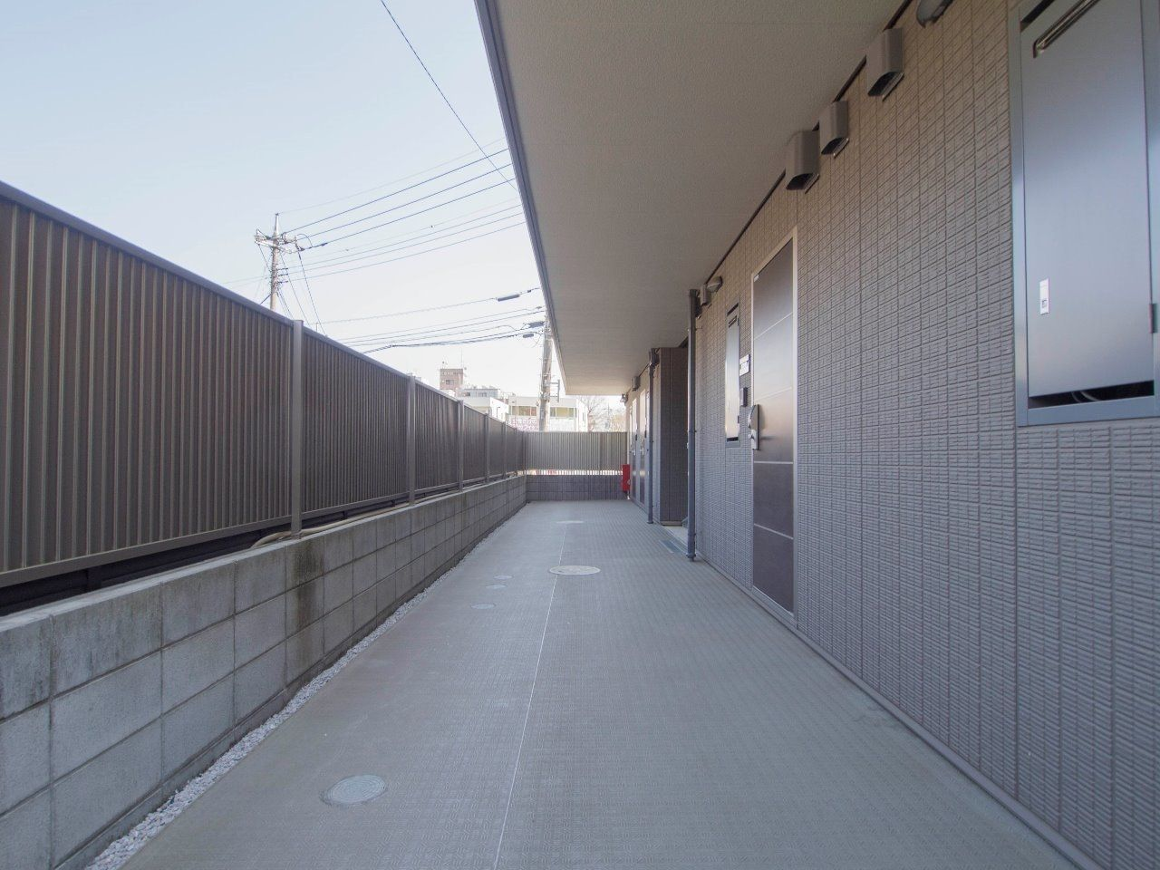 スッキリと整えられた共用廊下