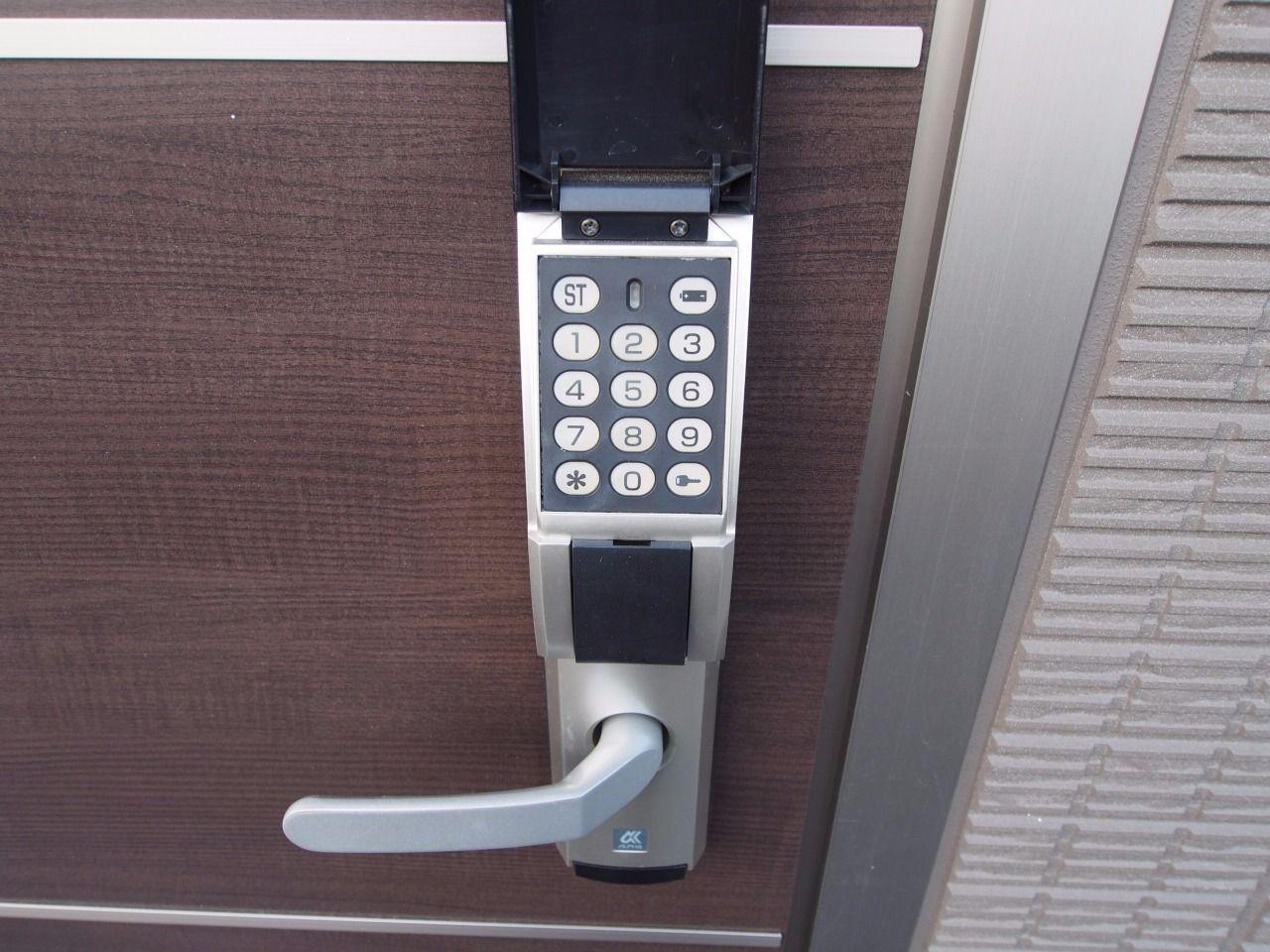 任意の番号(8桁まで)に設定できるアルファ製のedロック