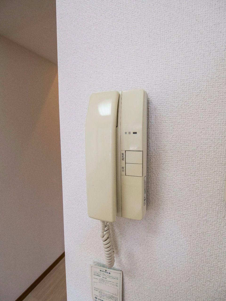 オートロックの解錠機能もある室内インターホン