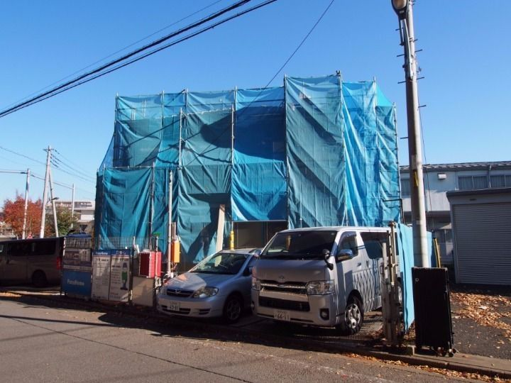 10月27日の【新築物件の名称決定!「キラリスワ」】でご紹介した、立川市柴崎町に建築中の賃貸アパートの工事は順調に進んでいます。