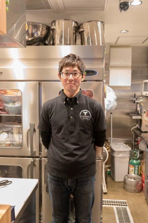2月9日(金)、立川駅南口(柴崎町)に「焼肉哲TETSU」がオープン。「GINZASIX」にも出店する国分寺の名店で14年間の修行を経た店主によるこだわりのお店。使用するお肉は産地・銘柄にとらわれず、店主が直接目利きをし、厳選したものを使用。冷凍ものは一切使わず、機械切りも一切しない、美味しいお肉を提供してくれるお店。店内はカウンター席もあり、目の前でお肉をさばく様子を見ながら食事を楽しむことも可能。