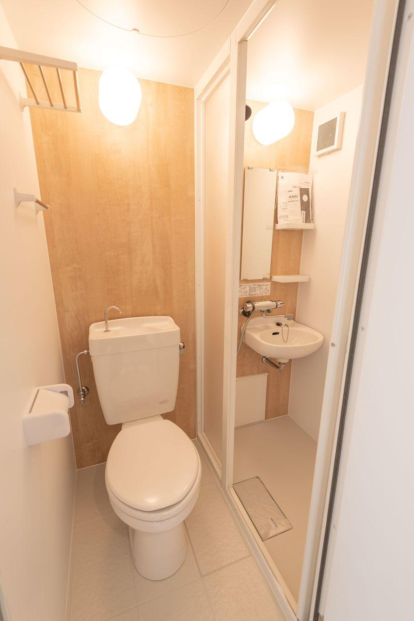 シャワールームにしてバストイレ別
