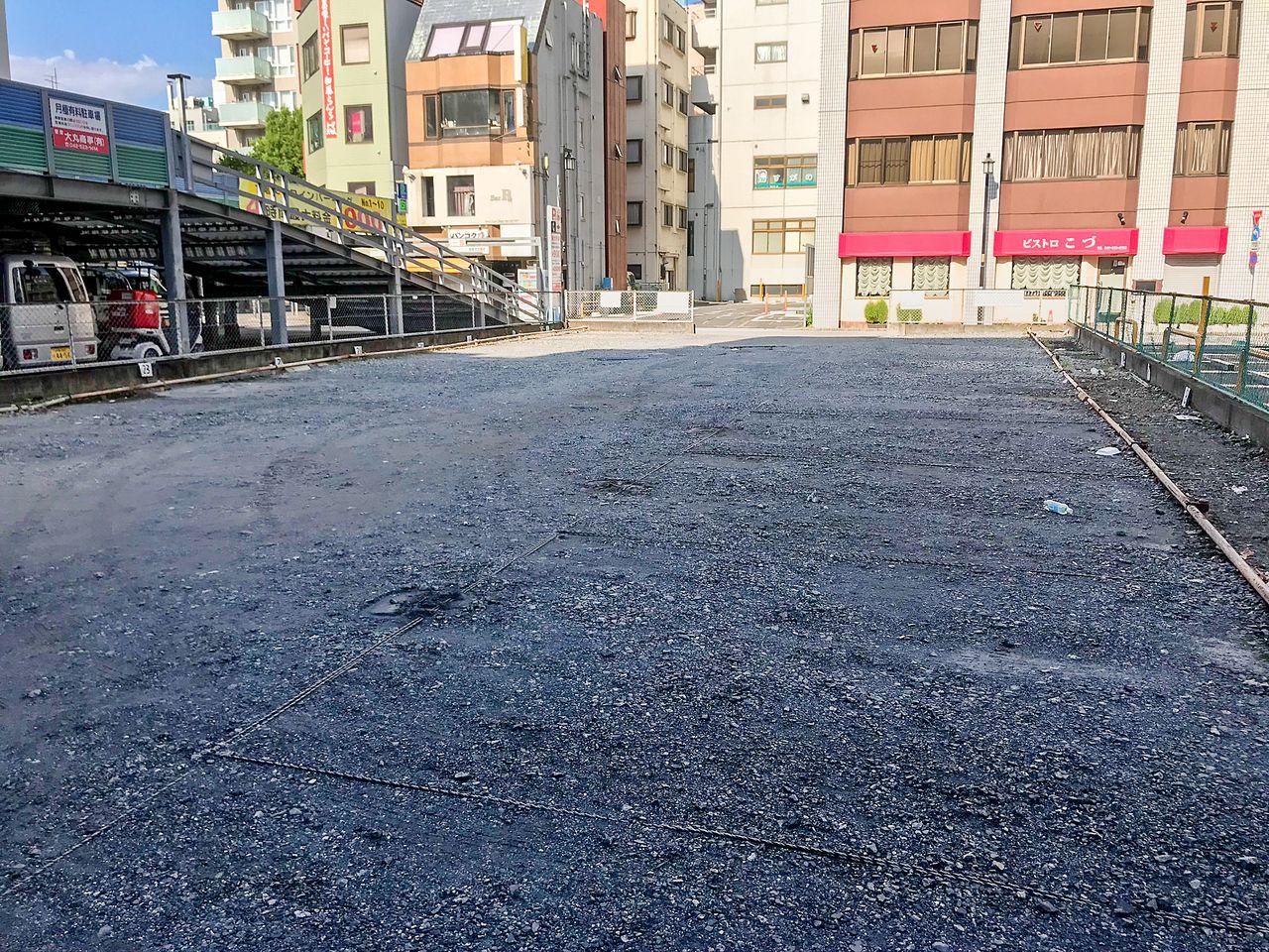 整備前の駐車場
